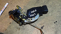 Дверной замок левый задний Toyota Ipsum (SXM15)
