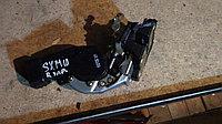 Дверной замок правый задний Toyota Ipsum (SXM10)