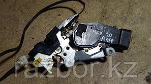 Дверной замок правый передний Toyota Windom / Lexus ES (20)