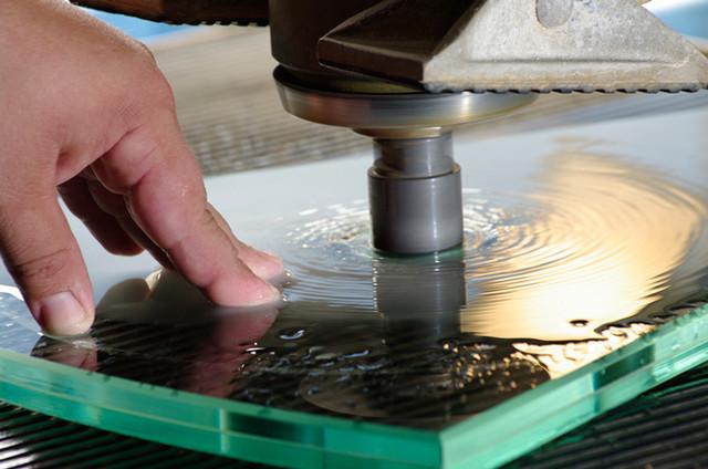 Услуги по обработке стекла и зеркала
