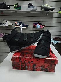 Баскетбольные кроссовки Nike Lebron James XI (11) Zoom Soldier Black