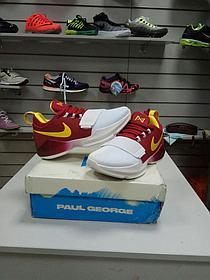 Баскетбольные кроссовки Nike PG1 from Paul George бело-красные