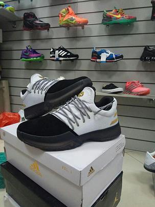 Баскетбольные кроссовки Adidas Harden Vol.1 from James Harden черно-белые, фото 2