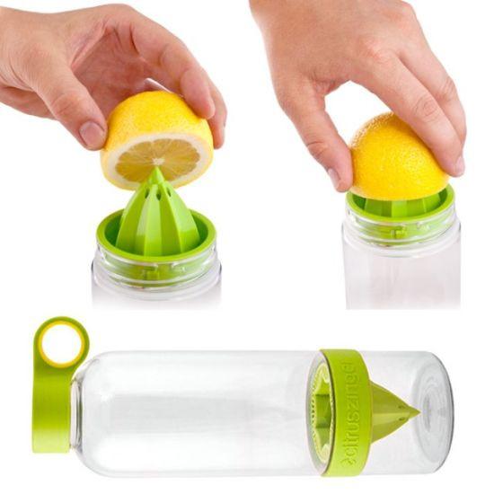 Citrus Zinger – это многофункциональная бутылочка с соковыжималкой