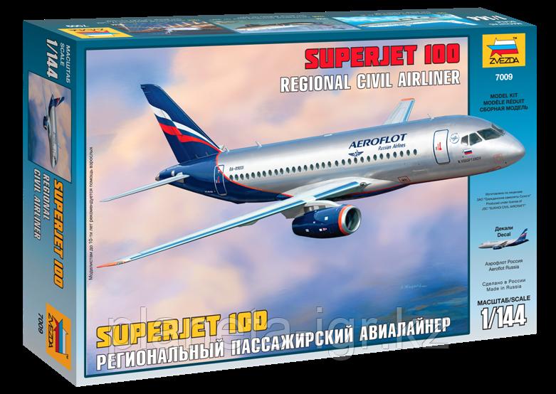 """Сборная модель Пассажирский лайнер """"Superjet 100"""" 1\144"""
