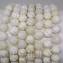 Коралл белый резной, 10 мм