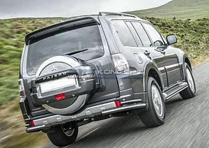 Защита заднего бампера d76+d42 уголки Mitsubishi Pajero IV 2014-