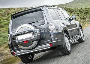 Защита заднего бампера d76 короткая Mitsubishi Pajero IV 2014-
