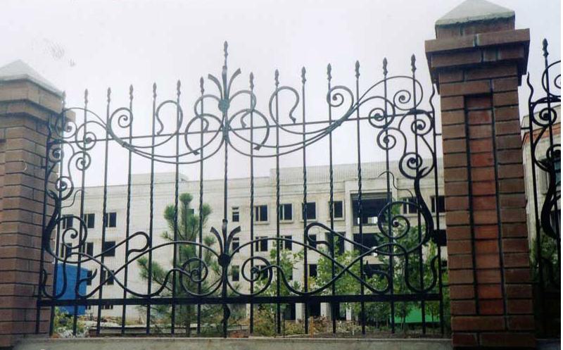 Забор в дом
