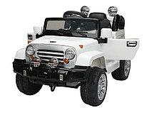 Детский электромобиль Jeep Wrangler с пультом ДУ (белый)