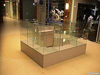 Стеклянные торговые витрины