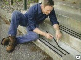Противоскользящая самоклеющаяся лента на ступени, антискользящие накладки