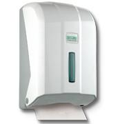 Диспенсер для туалетной бумаги z укладки.