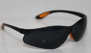 Очки защитные  черные