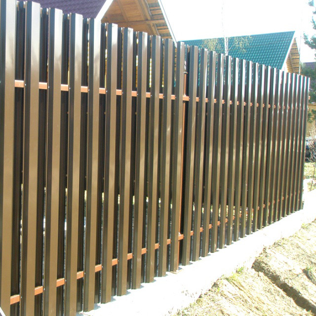 Забор с металласайдинга