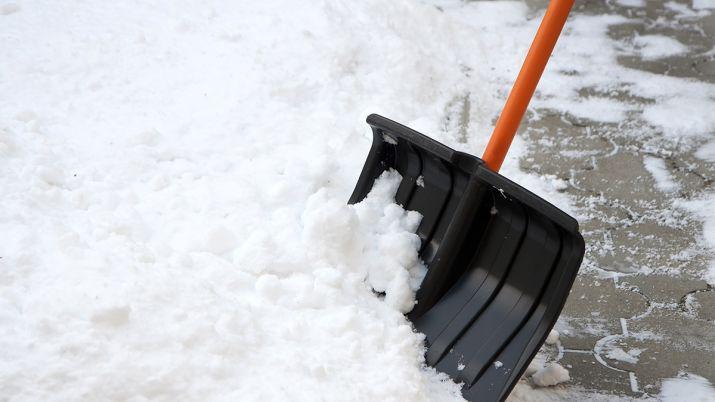 Вывоз снега в Алматы - фото 1