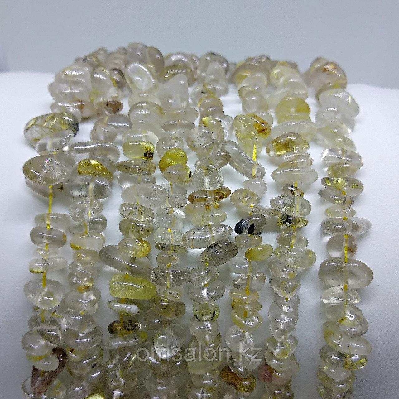 Рутиловый кварц (Волосы Венеры) золотой, сколы