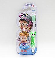 Детская зубная щетка с куклой, зеленая