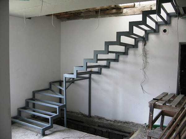 Лестница Г-образная