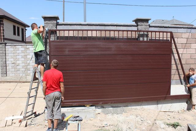 Консольные откатные ворота, коричневые 3