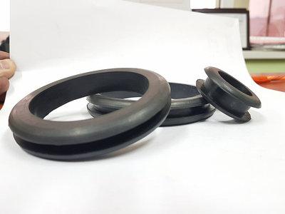 Втулки резиновые предохранительные (Кабельная проходная)