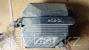 Корпус воздушного фильтра Toyota RAV4 (ACA21)