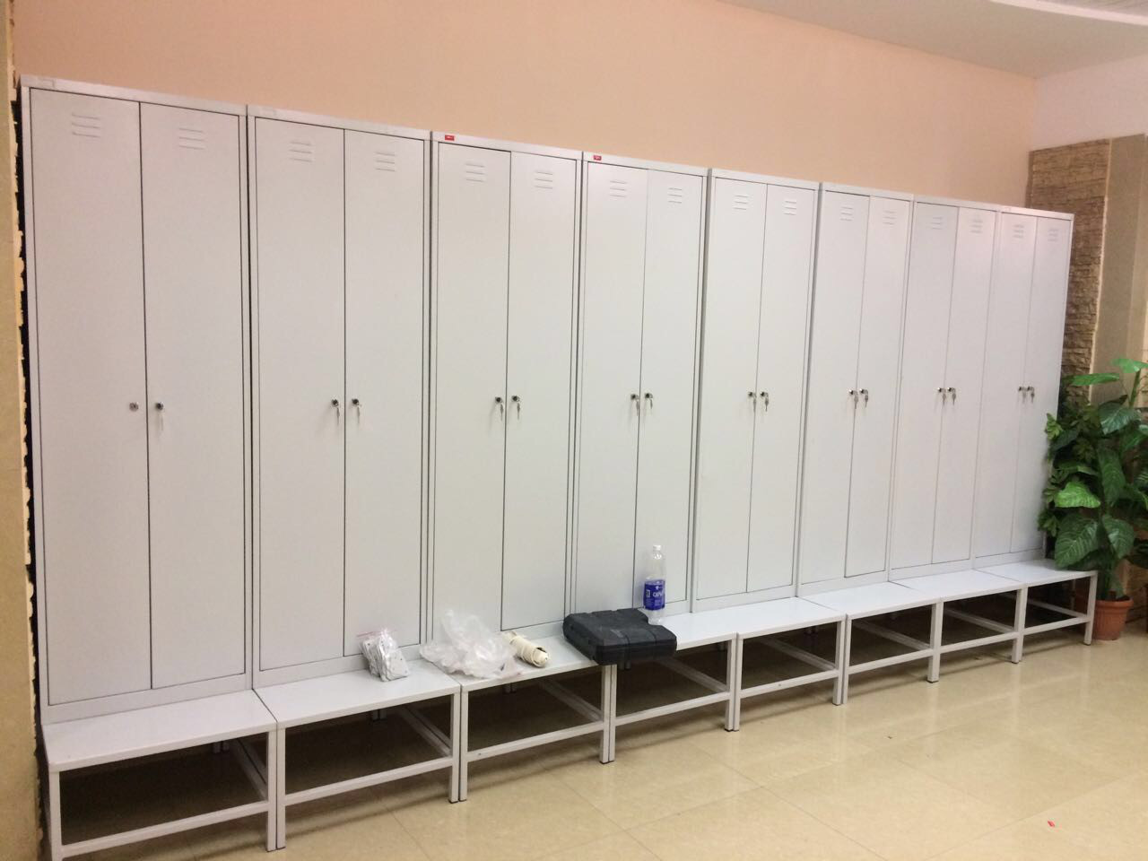 Скамьи/подставки для шкафов, раздевалок