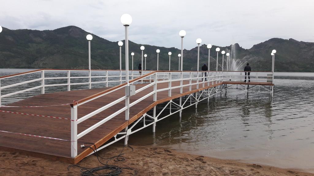 Строительство пирса на озере Жасыбай, пос. Баянаул, май 2017