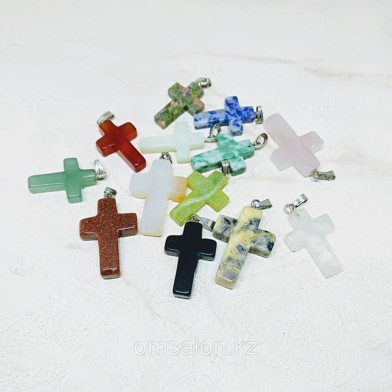 Крестик из натурального камня
