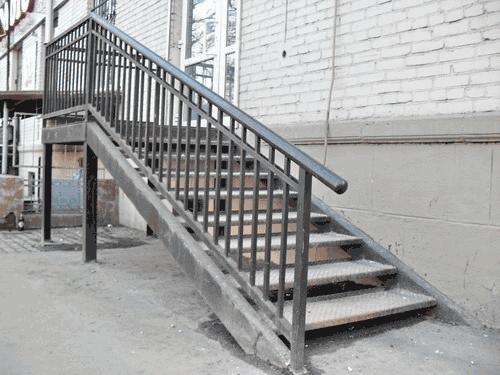 Лестница входная