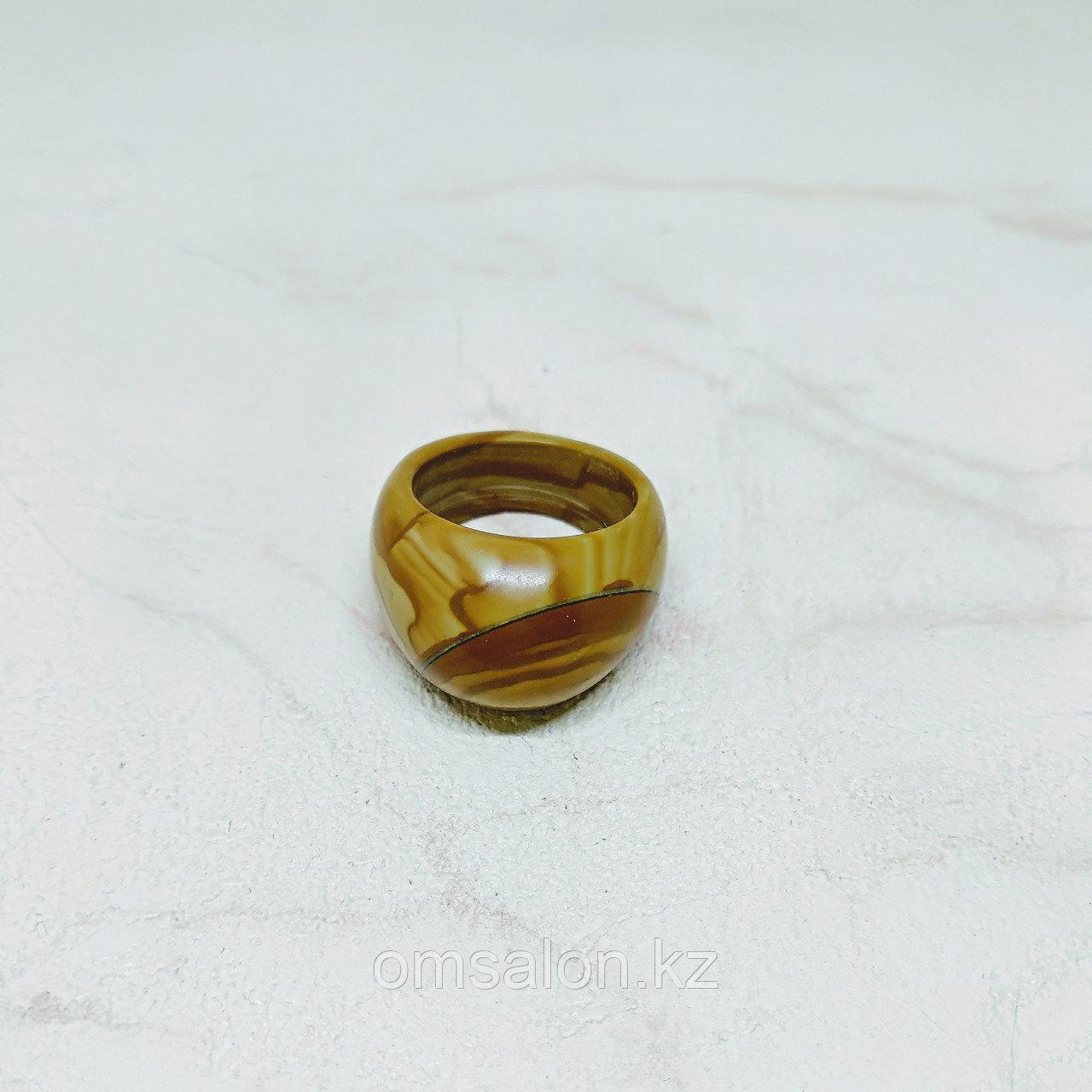 Перстень из яшмы