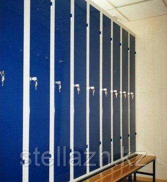Шкаф металлический для бассейна