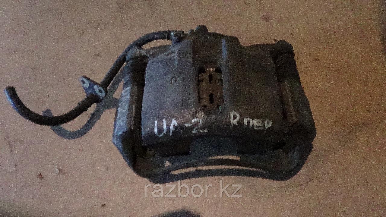 Тормозной суппорт правый передний Honda Saber / Inspire (UA2)