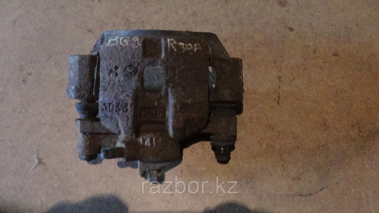 Тормозной суппорт правый задний Subaru Legacy (BG9)