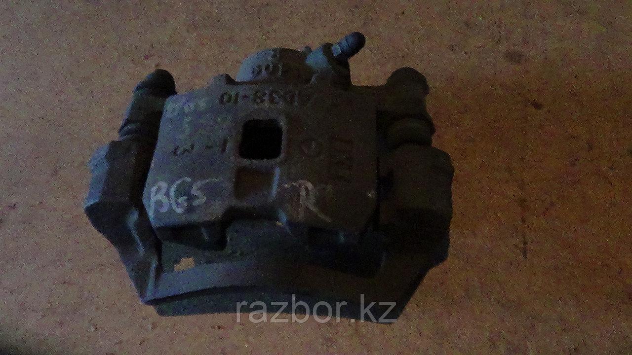 Тормозной суппорт правый задний Subaru Legacy (BG5)