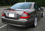 Спойлер накладка на крышку багажника Mercedes Benz E211, фото 2