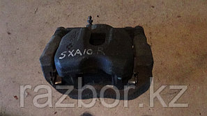 Тормозной суппорт правый передний Toyota RAV4 (SXA10)