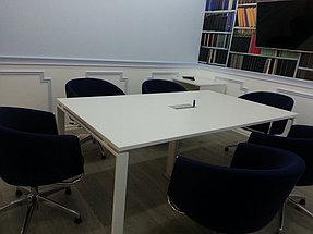 Конференц стол, опоры - металлокаркас, столешница ЛДСП, вывод под коммуникации