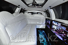 Лимузин Линкольн с белым салоном (Рестайлинг 2008)