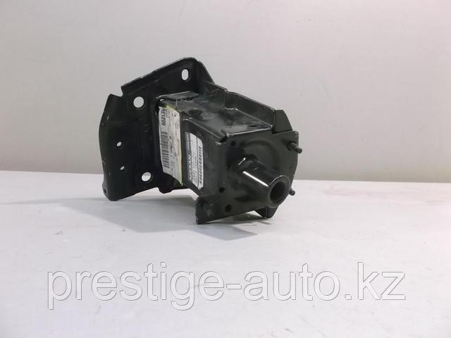 Кронштейн усилителя переднего бампера левый для Nissan Juke (F15) (Тумба)