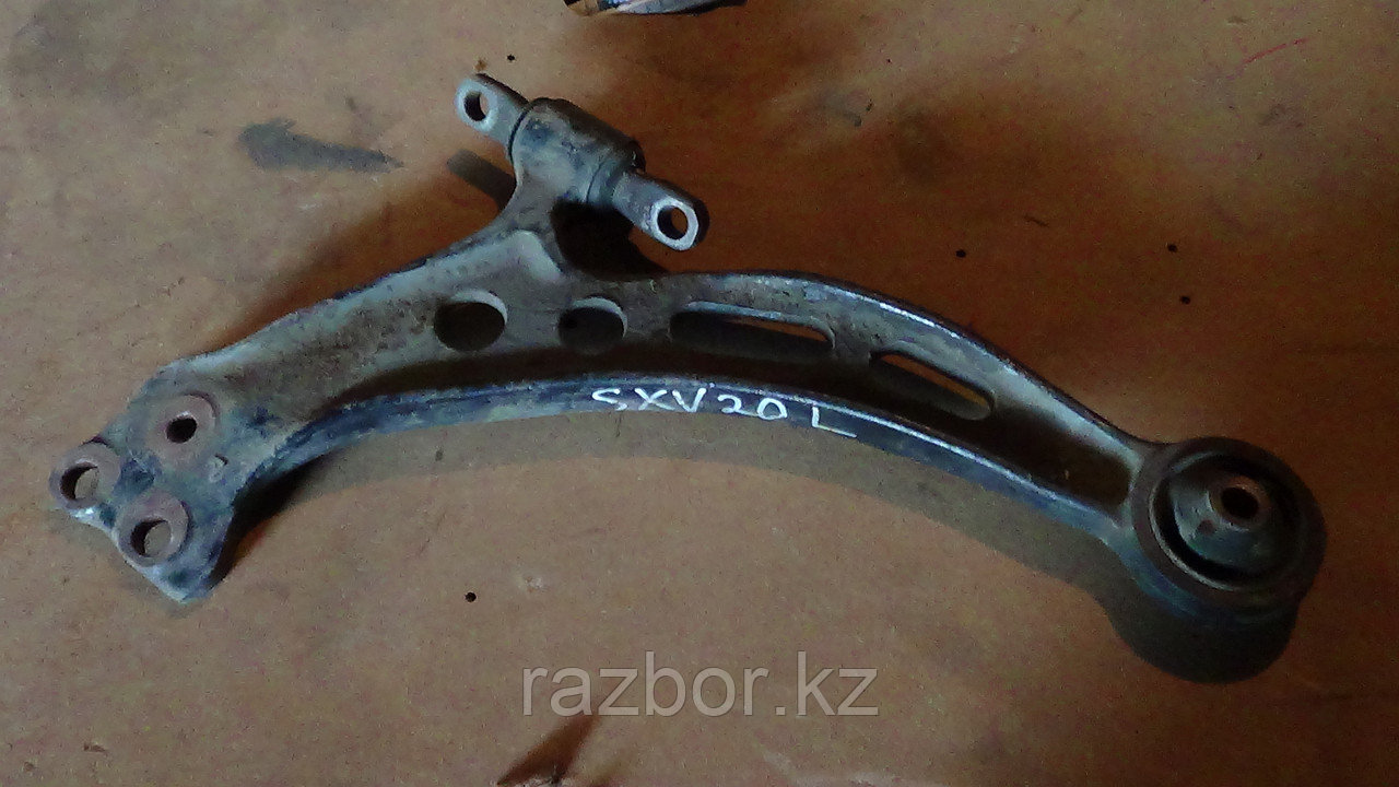Рычаг левый Toyota Camry Gracia (SXV20)