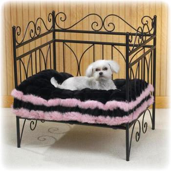 Лежанки и домики для домашних животных