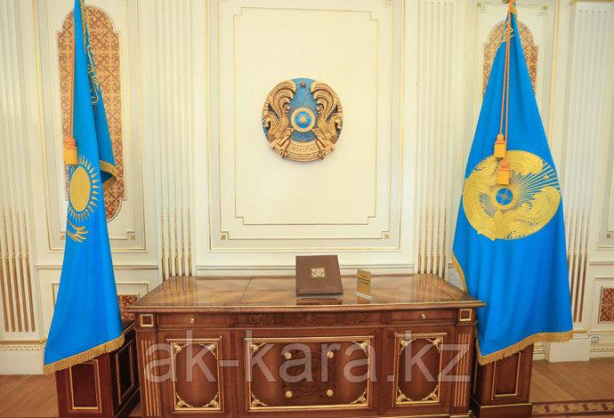 Флагшток кабинетный