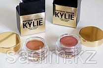 Kylie Creme Тени кремовые