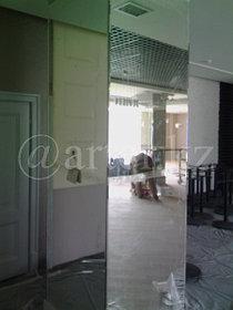 Зеркала на колоннах