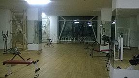 Монтаж зеркал в тренажерный зал 2