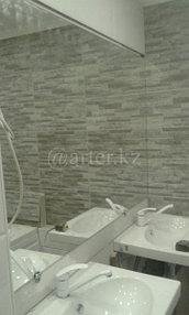 Большое навесное зеркало в ванную комнату 1