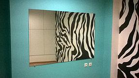 Монтаж зеркала в помещение 1