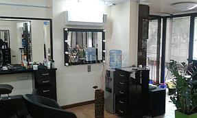 Монтаж зеркал в салон красоты 1