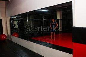 Установка зеркал в спортивный зал 2